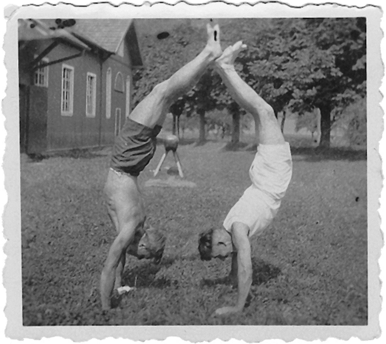 1925 Erste Erweiterung der Turnhalle