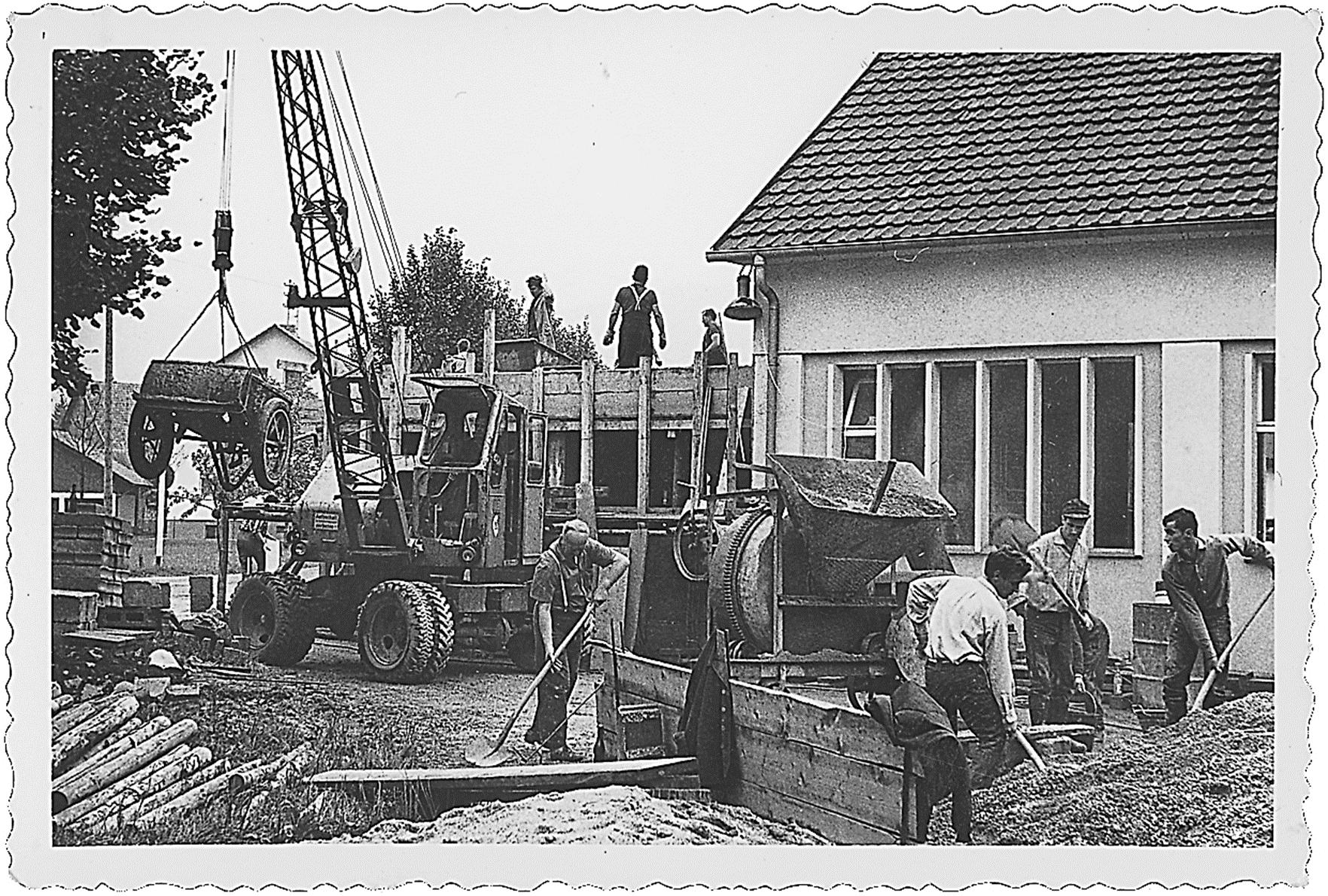 1959 Ausbau der Turnhalle
