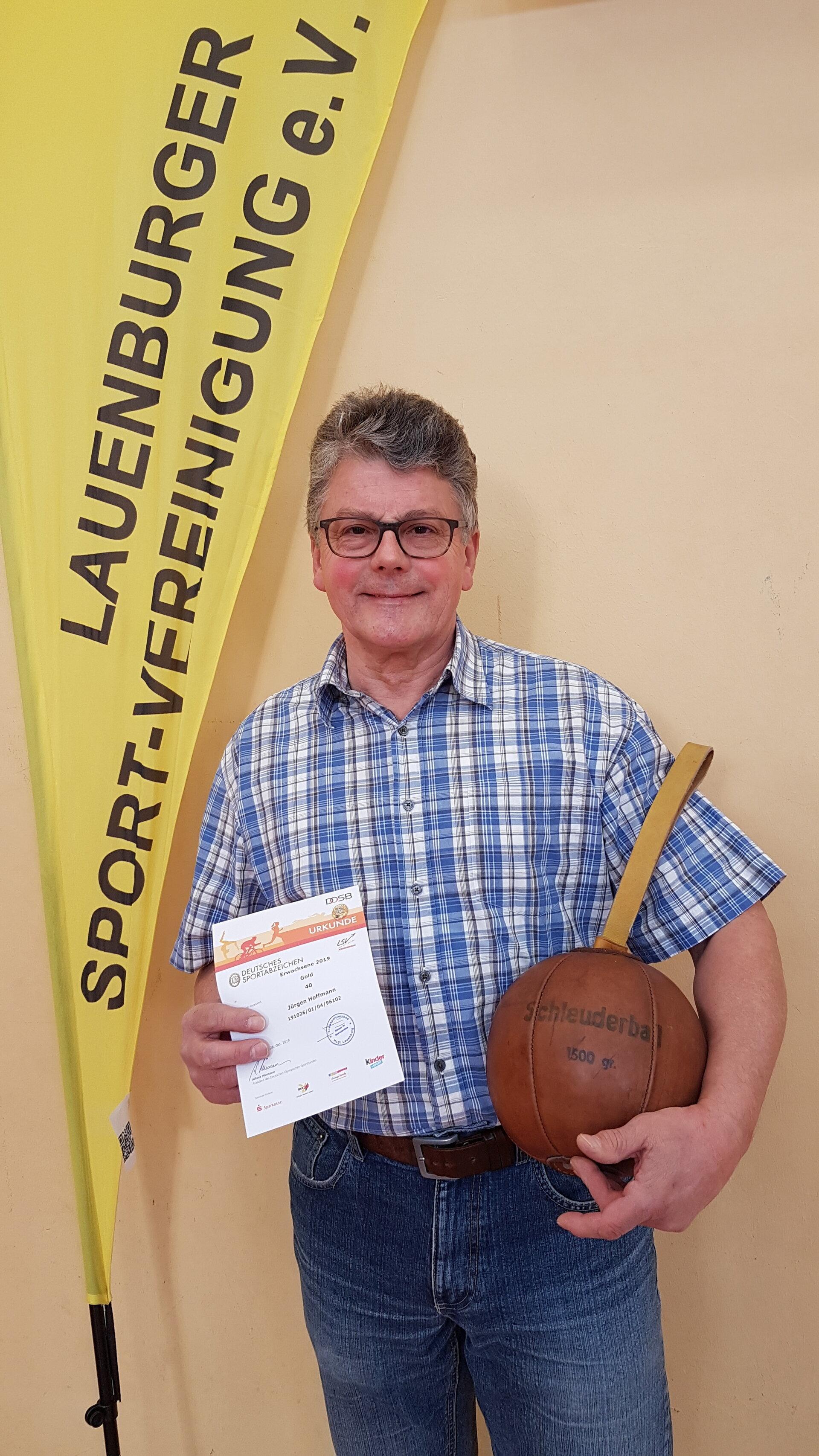 Jürgen Hoffmann erreicht 40. Gold