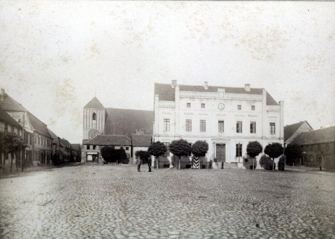 Das Rathaus um 1890 (?) Quelle: Archiv Wegemuseum