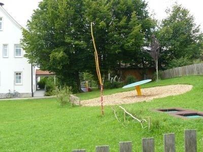 Spielplatz an der Grundschule 1
