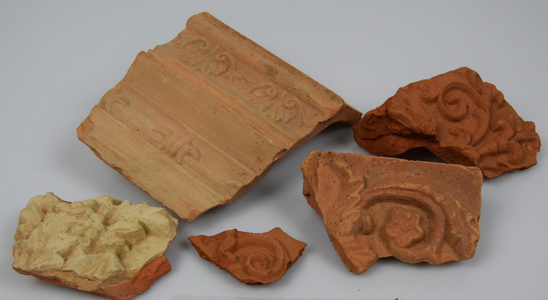 Bruchstücke von Ofenkacheln Foto: wegemuseum