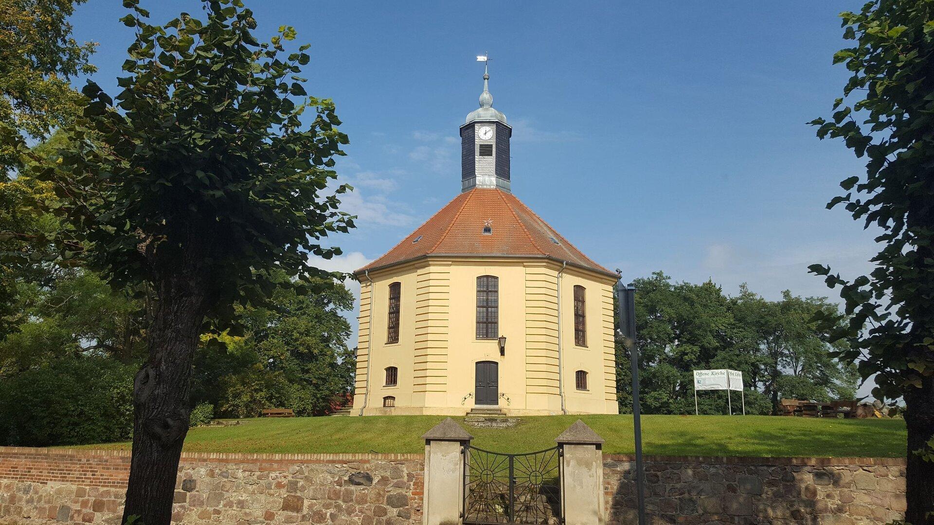 Golzower Kirche