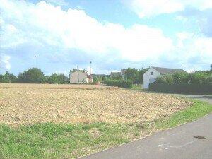 Ansicht in Richtung Raiffeisenstraße Süd-Ost-Ansicht vom Grundstück 3