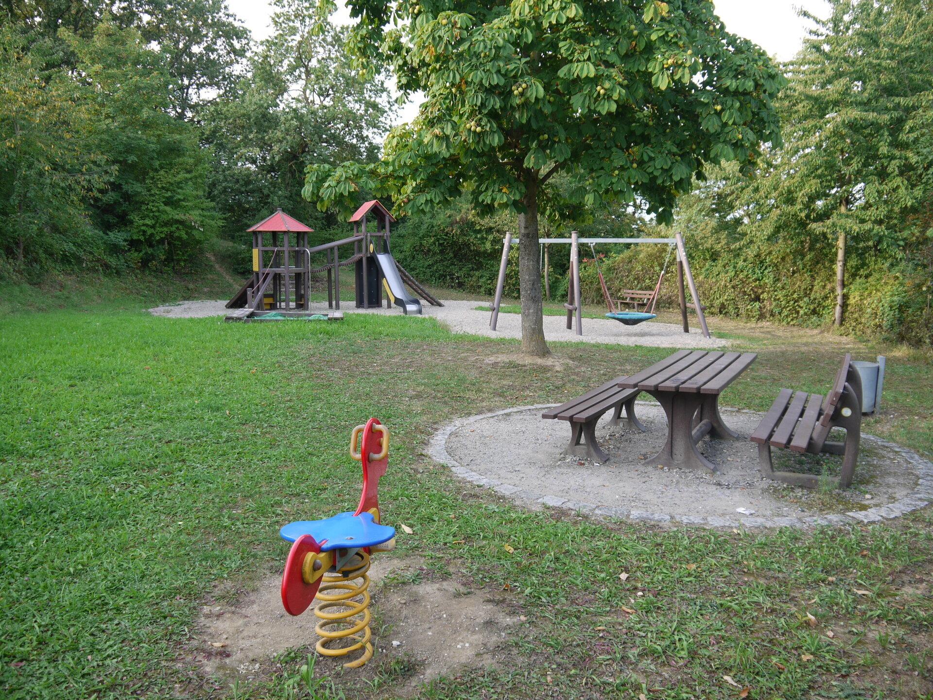Spielplatz im Wohngebiet Seelhofen am Taubenweg
