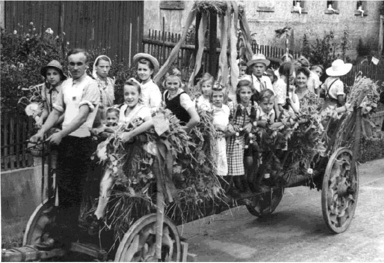 Festumzug zum Schul- und Heimatfest 1952