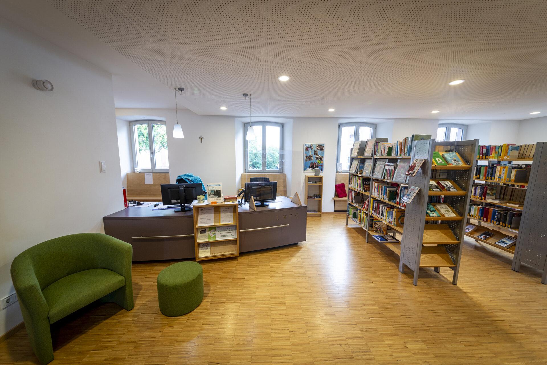 Bücherei Infotheke