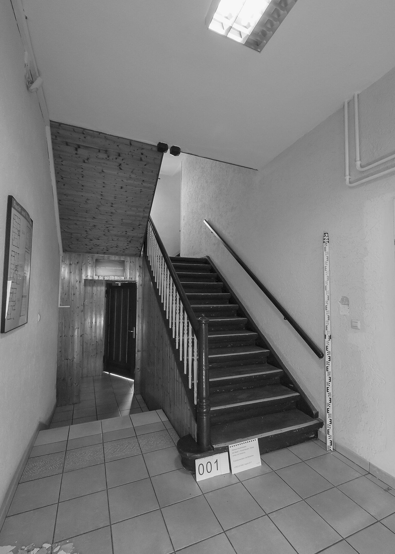 Treppenaufgang vor Umbau Foto: Gemeinde Wusterhausen/Dosse
