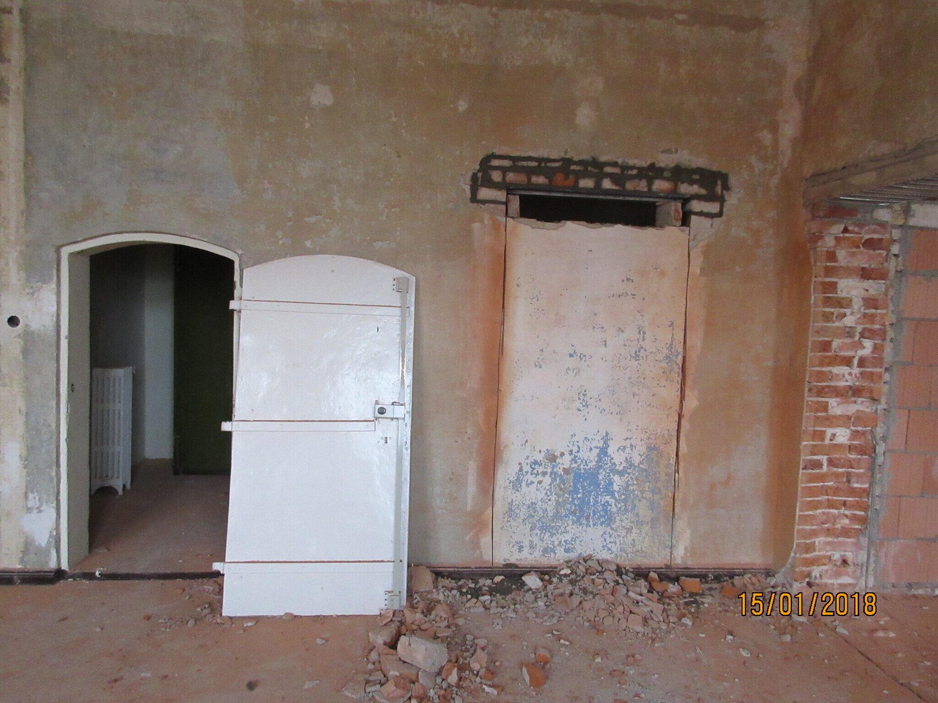 Eine Zellentür? Foto: gemeinde Wusterhausen/Dosse