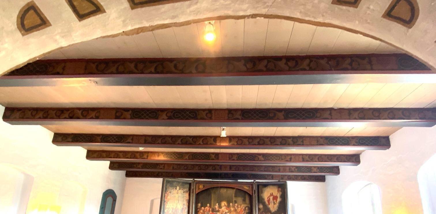 Deckenbalken Altarraum