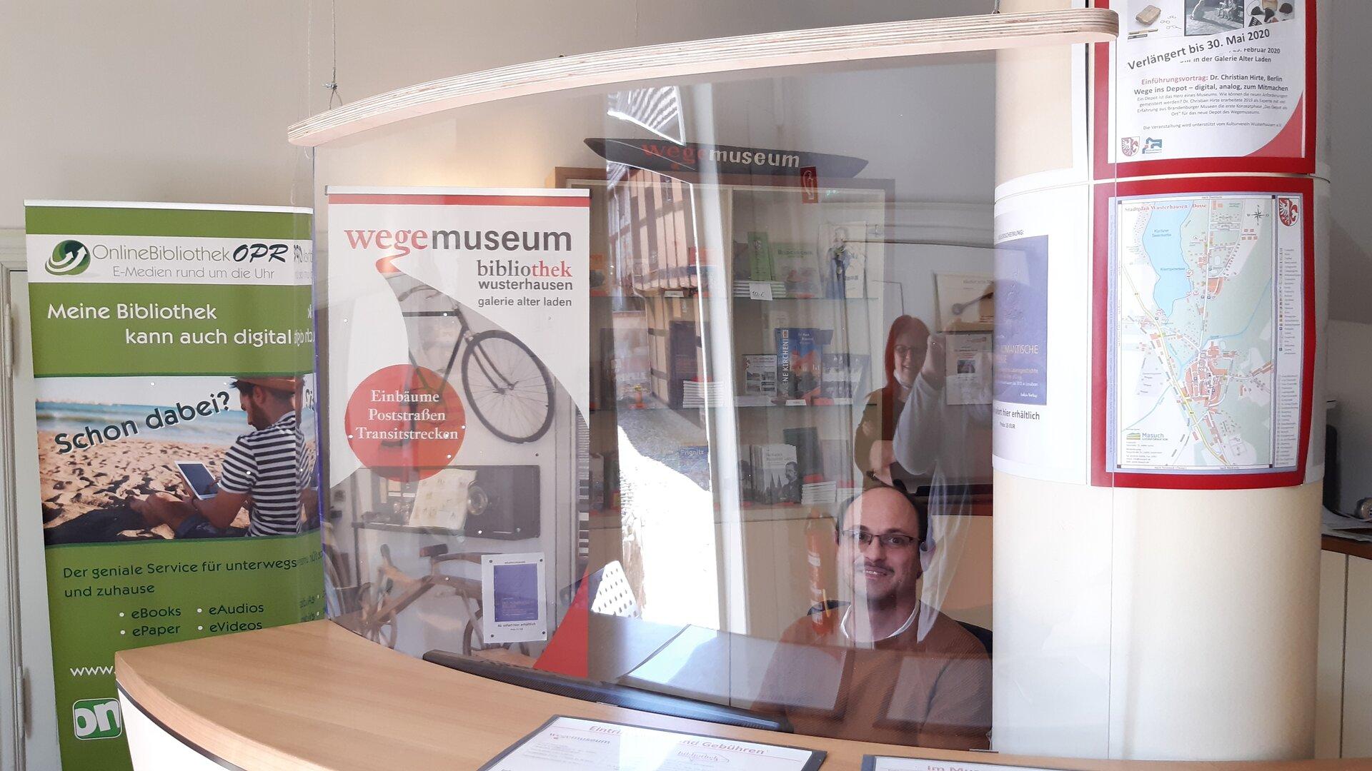 Im Foyer Foto: Gemeinde Wusterhausen/Dosse