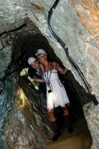 Paar im Bergwerk
