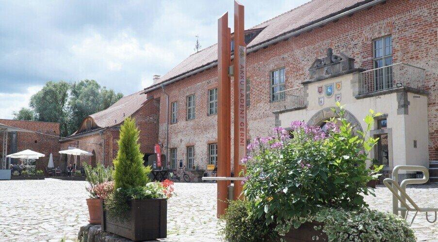 Eingang Burghof