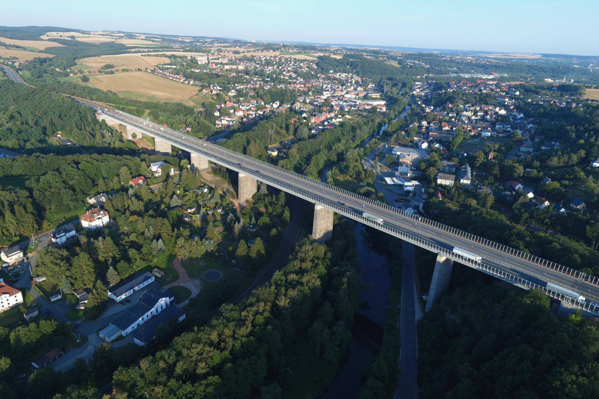 Autobahnbrücke der A72 (c) Stadtfeuerwehr