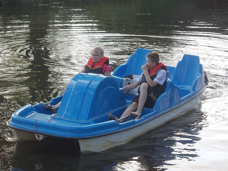 Tretboot auf der Recknitz - Marlower Kanu-& Bootsverleih