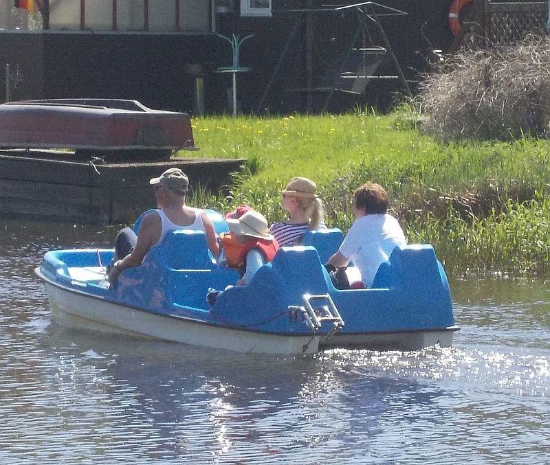 Tretboot auf der Recknitz - Marlower Kanu- & Bootsverleih