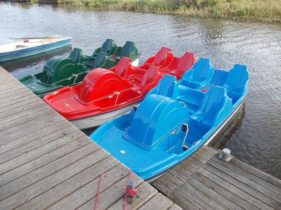 Tretboot auf der Recknitz - Marlower Kanu-& Bootsverlei