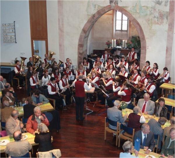 Feier des Erntedankfestes mit dem Musikverein