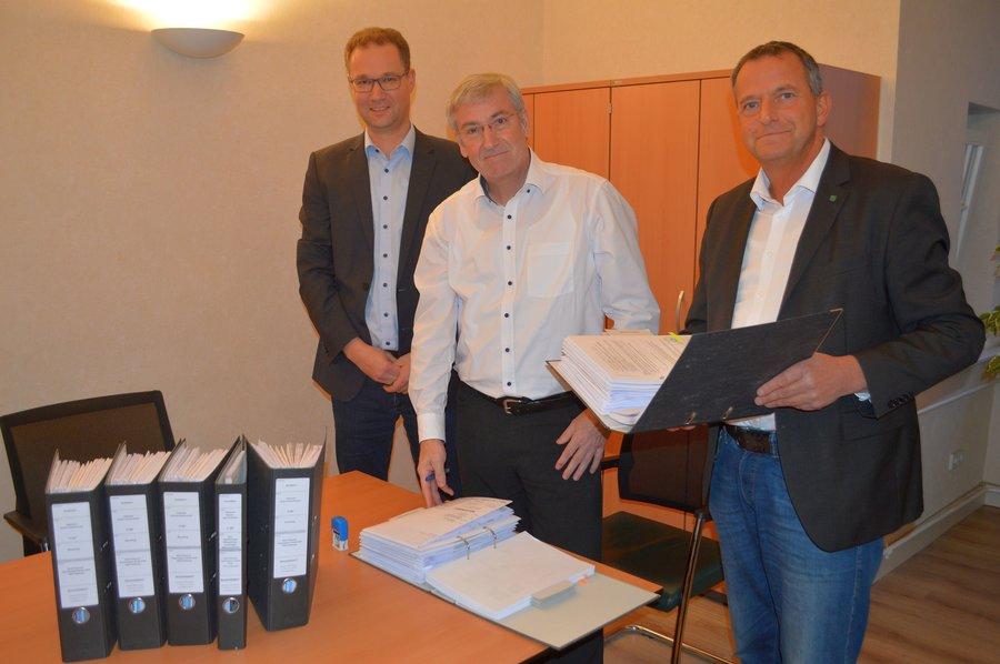 Während der Sprechzeiten stehen auch der Bürgermeister Heiko Müller, 1. Beigeordneter Thomas Zylla und Bauamtsleiter Jens Grothe für ein persönliches Gespräch zur Verfügung.