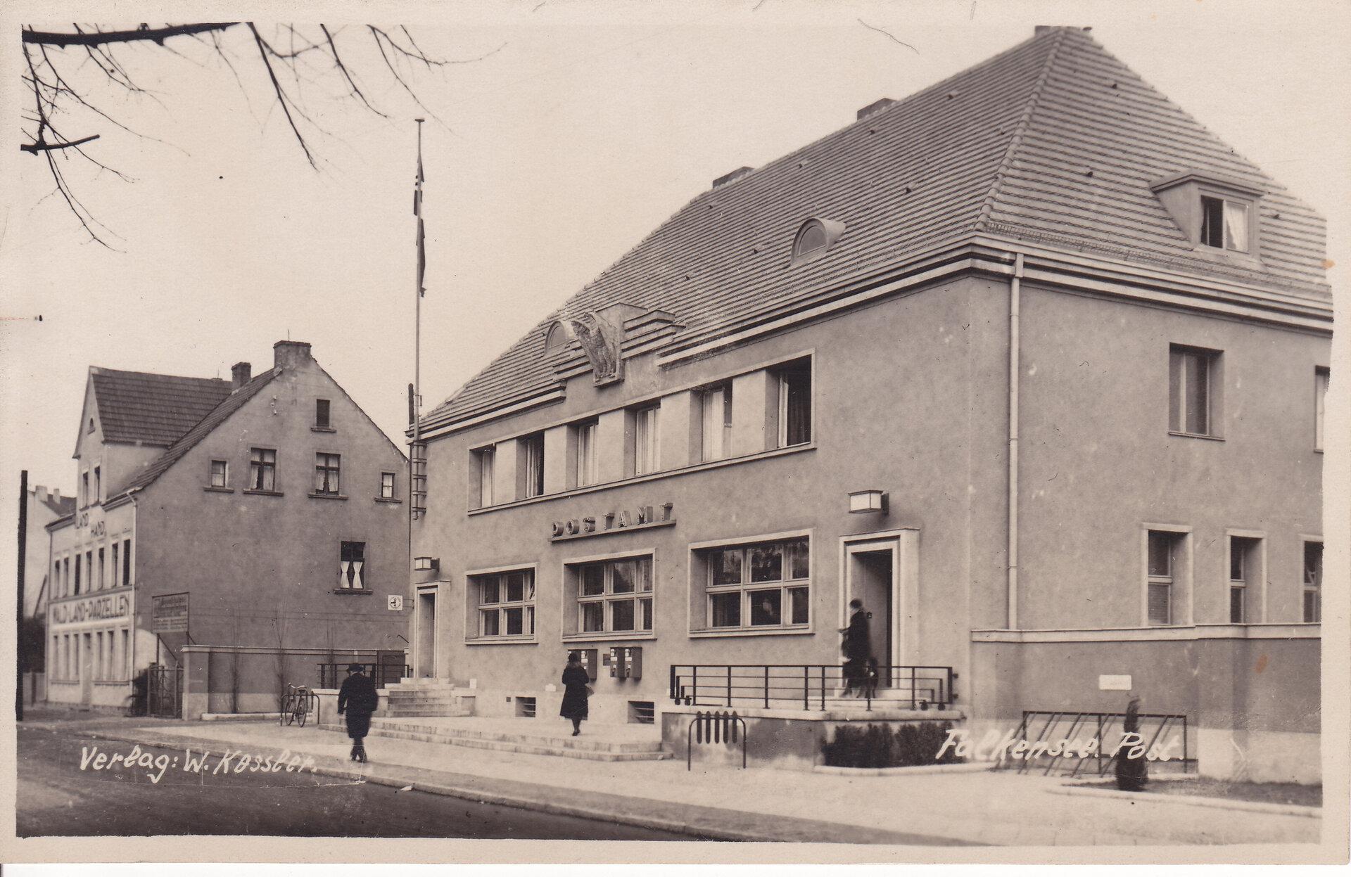 Das Bild zeigt eine Ansicht des alten Postgebäudes.