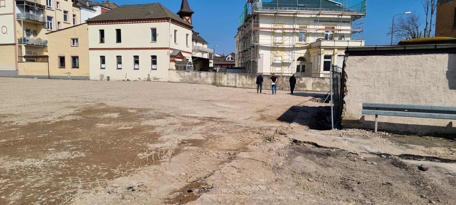 Fläche ehemalige Rheinhalle