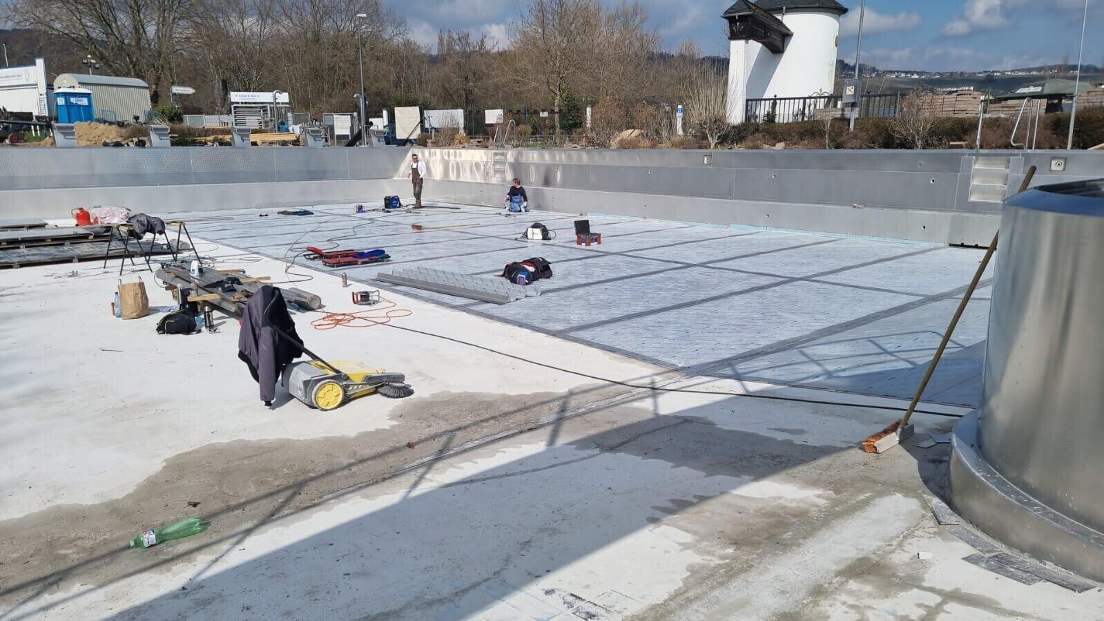 Bauarbeiten Schwimmerbecken