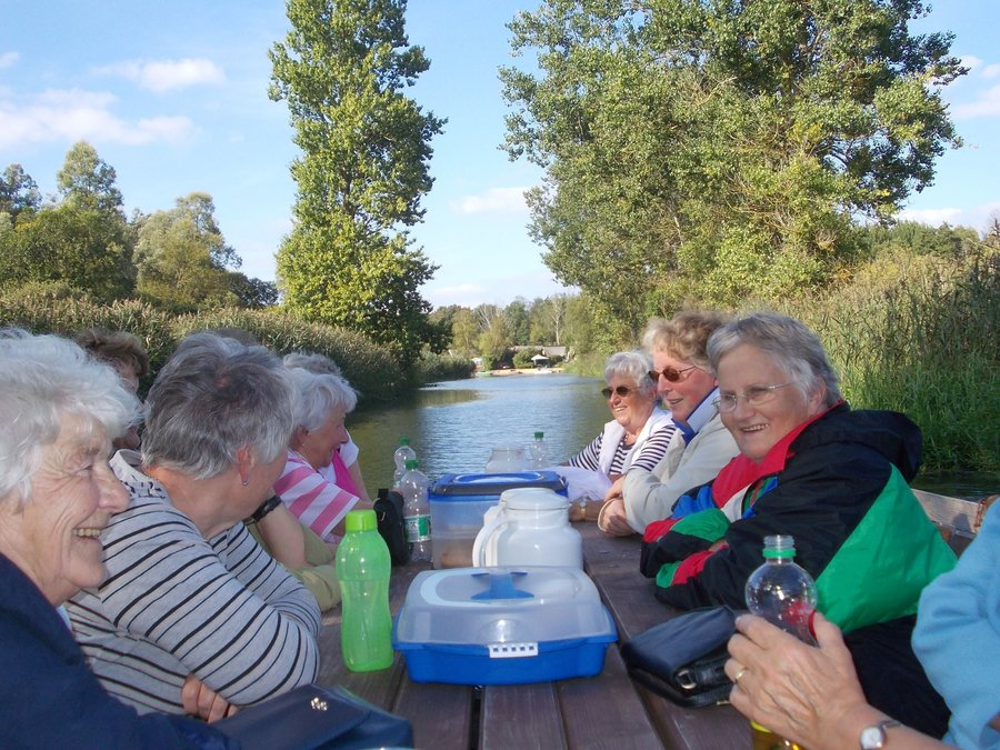 geführte Floßfahrten auf der Recknitz - Marlowr Kanu- & Bootsverleih
