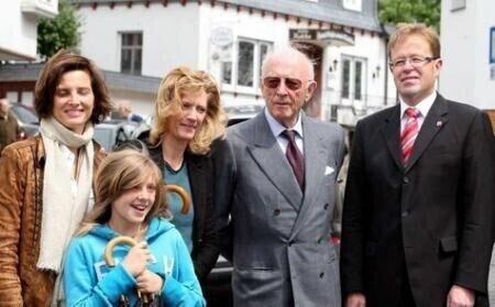 Landfraf Moritz mit Töchtern, Enkelin und Bürgermeister Horsel