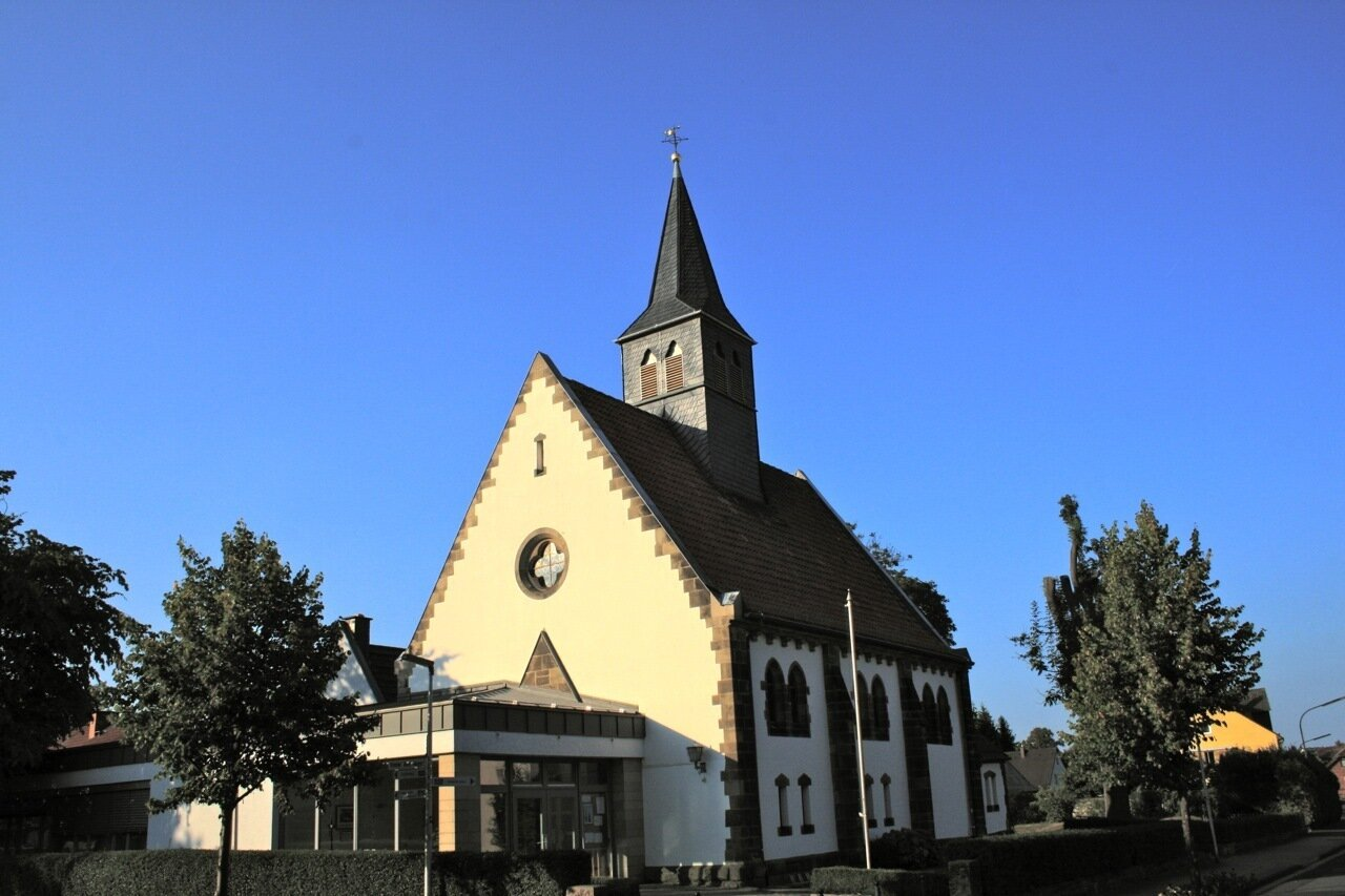 Kirche MÖ-aktuelle Ansicht