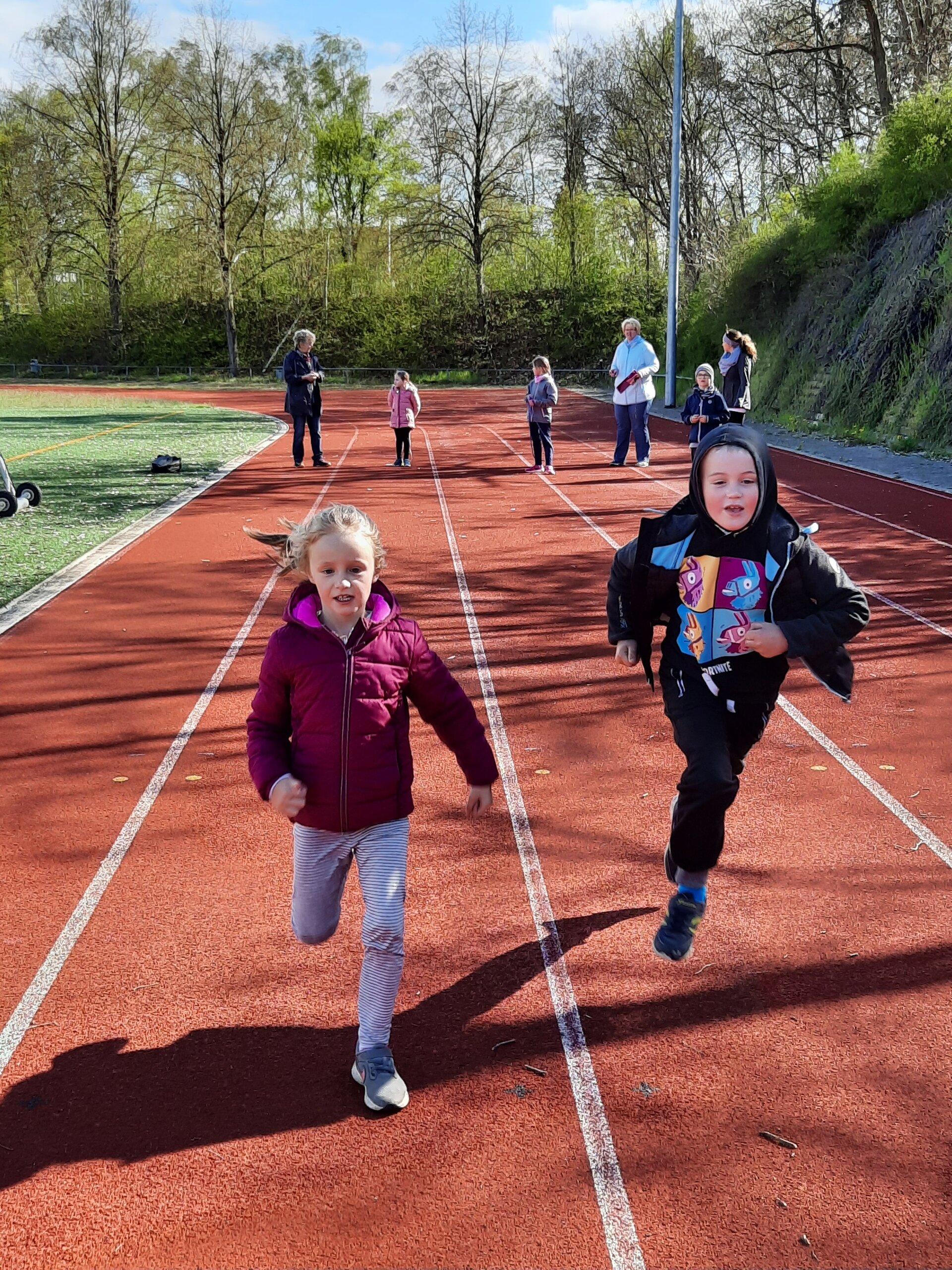 Ella + Sjard beim Sprint