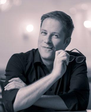 Gastregisseur Philip Lüsebrink aus Hamburg