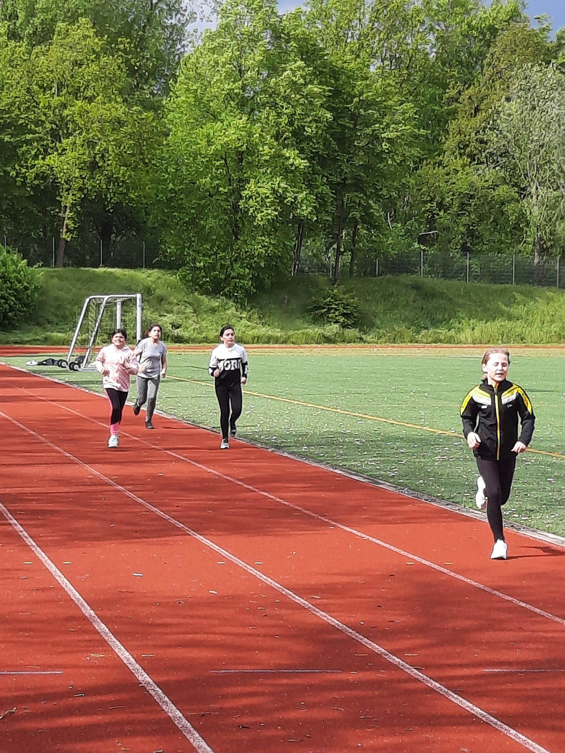 2 Rinden 800 m Laufen