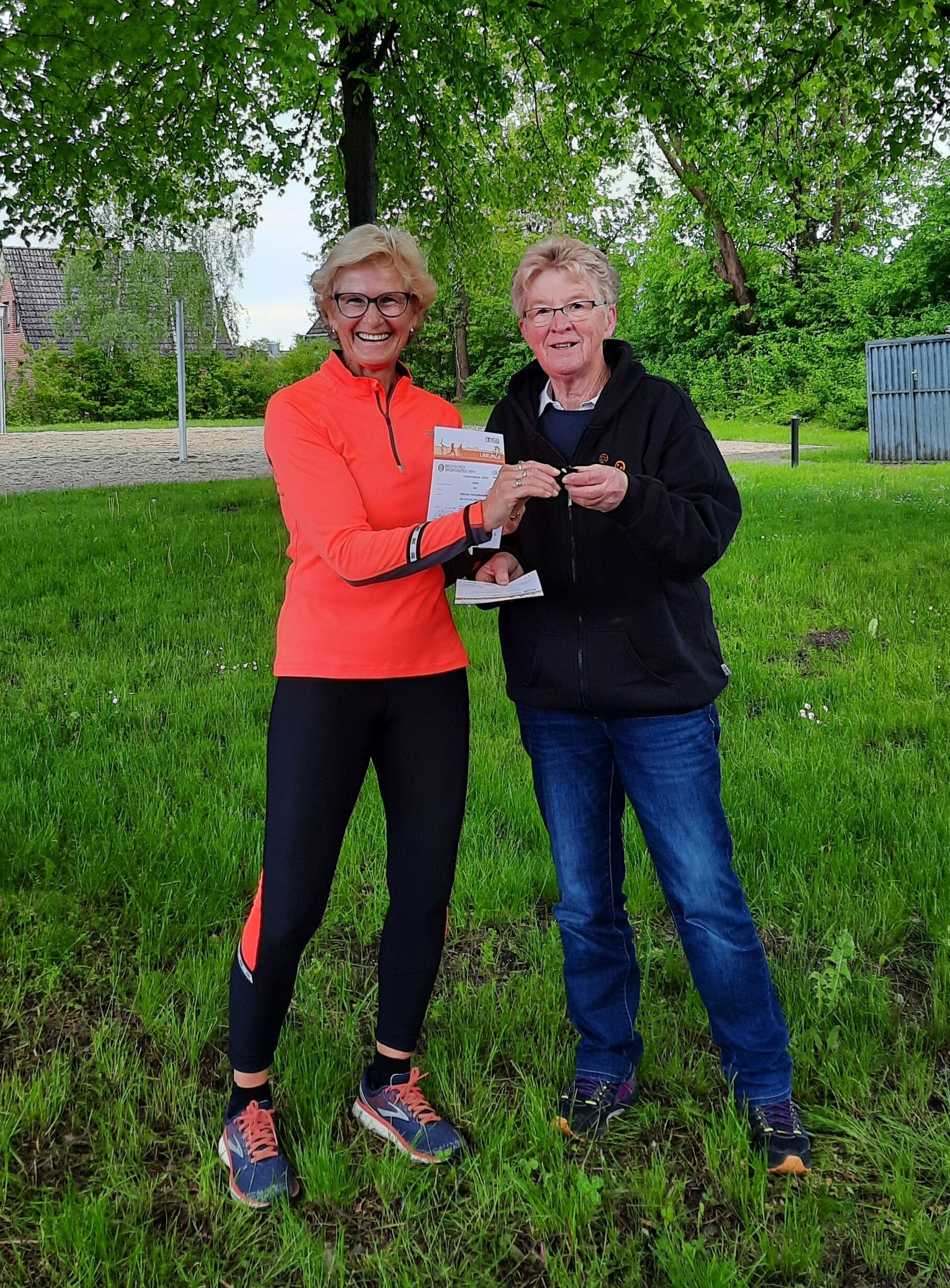 Margret Lucas ehrt Marion 40. Gold