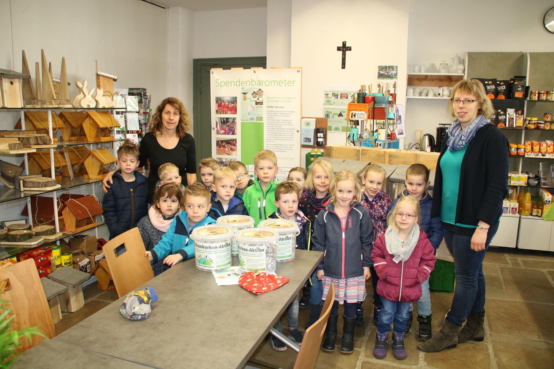 Kindergartenkinder_bringen_Kronkorken