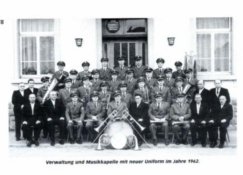Verwaltung und Musikkapelle 1962