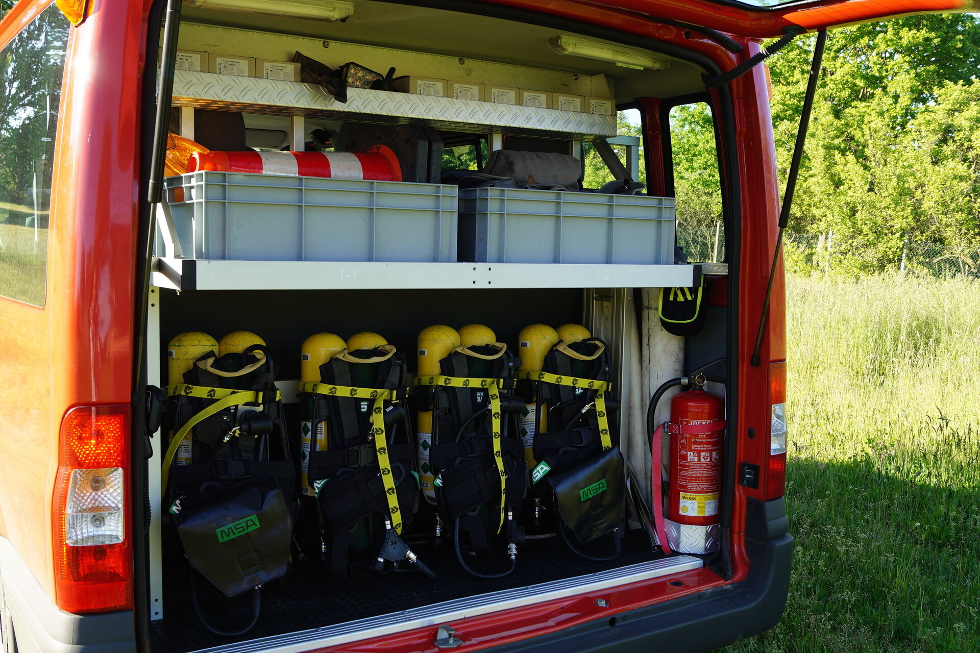 MTF-Kofferraum von links