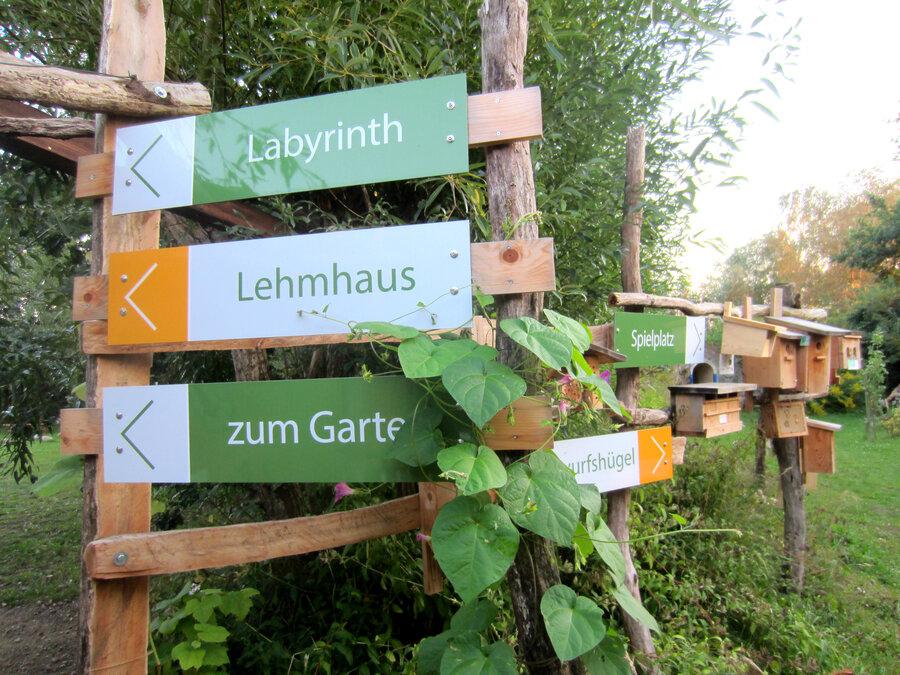 Weitere_05_Zum_Garten