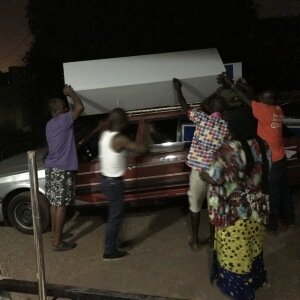 1. Container mit Spenden für Guinea