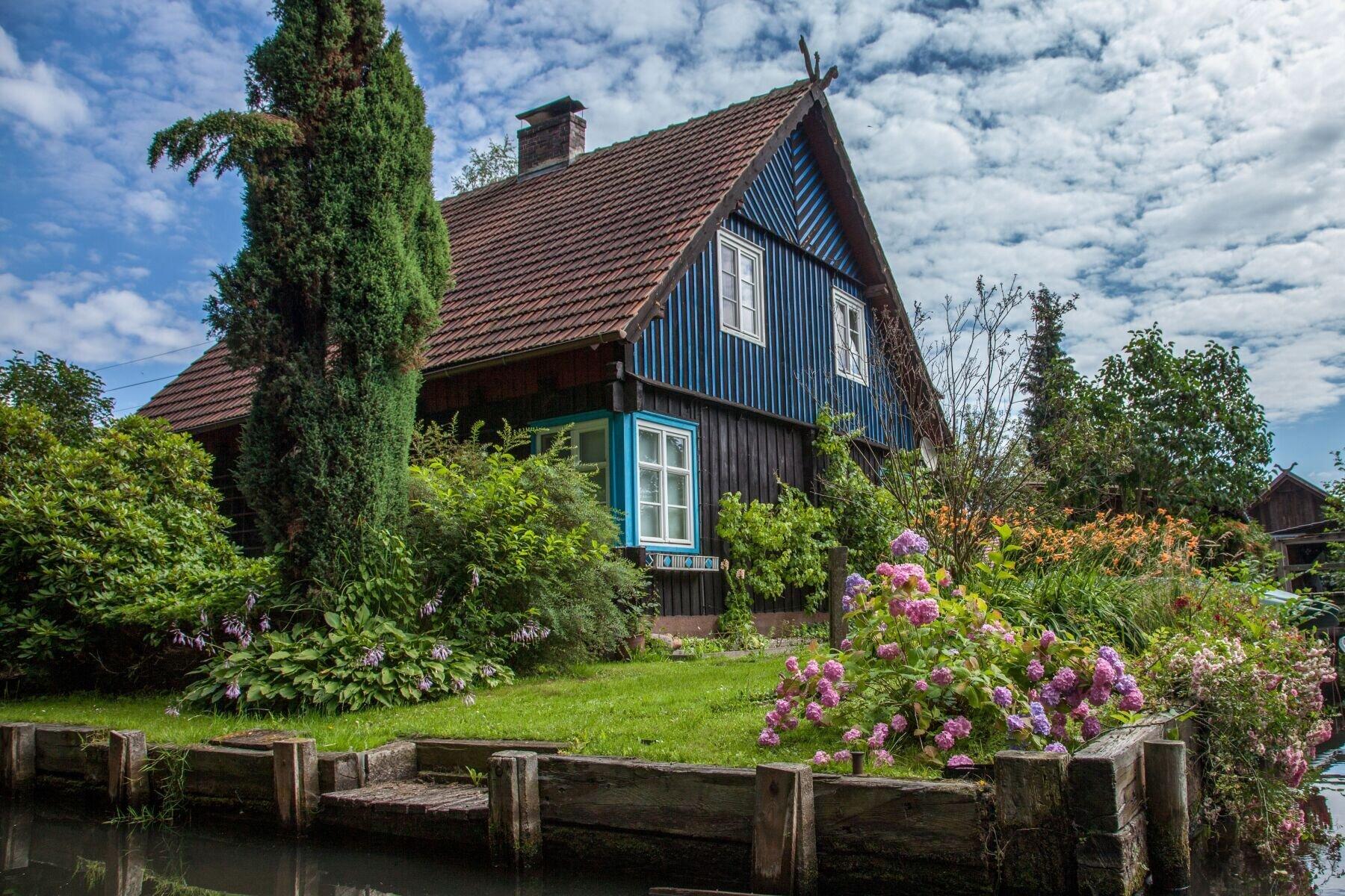 Typisches Spreewald-Haus in Leipe. Foto: (c) Peter Becker
