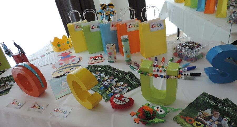 Kinder Service-JOCUS_bunte Angebote