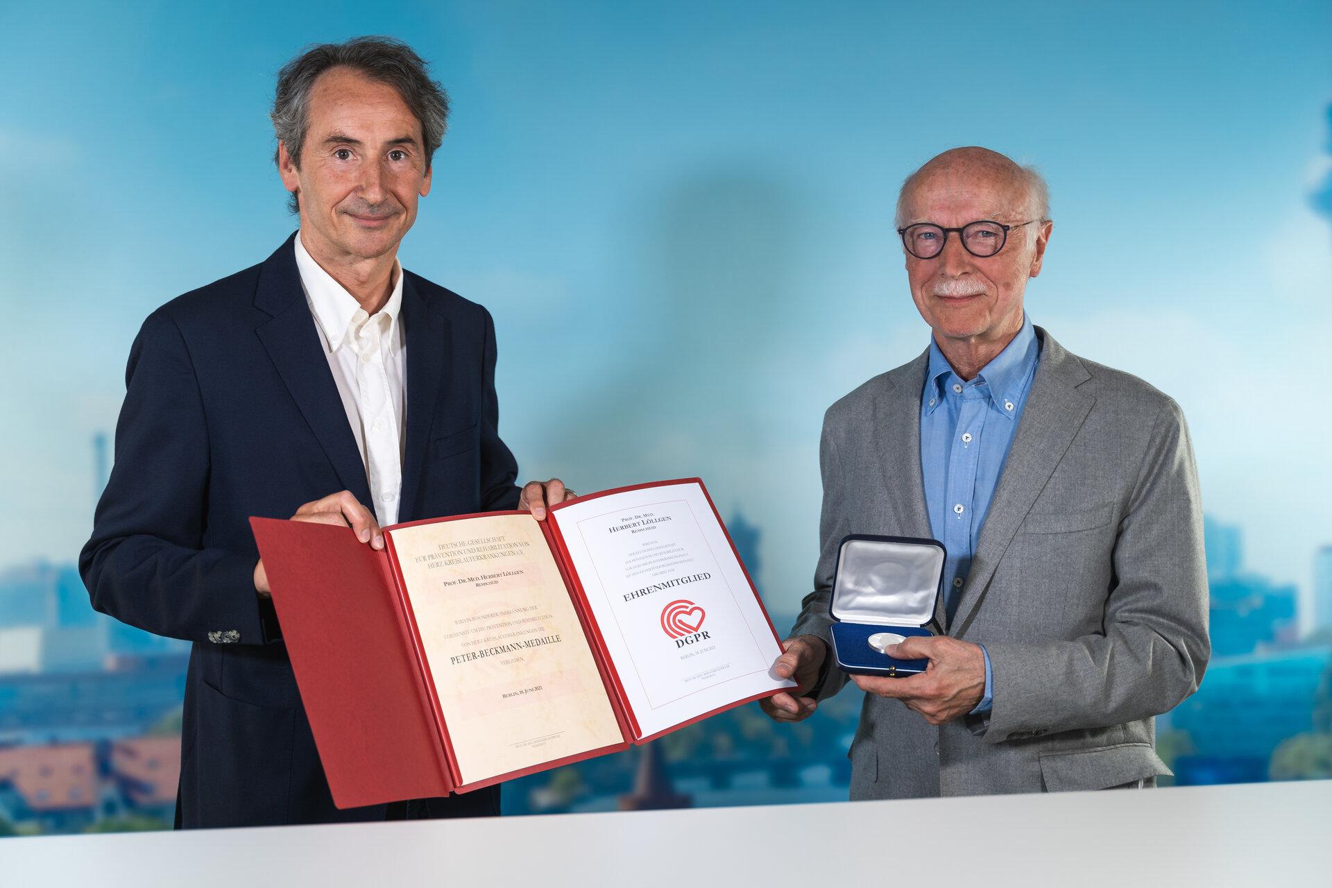 Prof. Dr. Herbert Löllgen erhält die Beckmann-Medaille