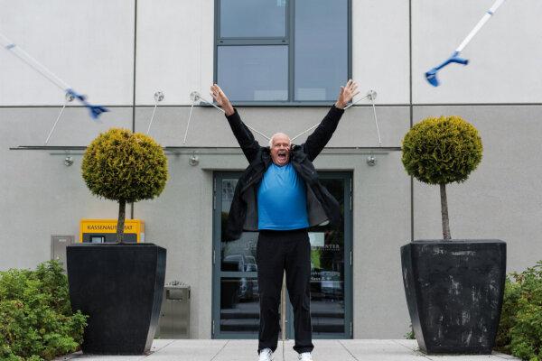 Peter Brosche wirft die UAG-Stützen in die Luft