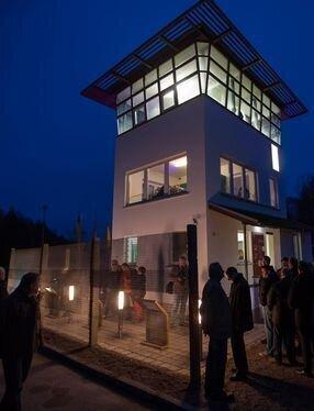 Grenzturm am Abend