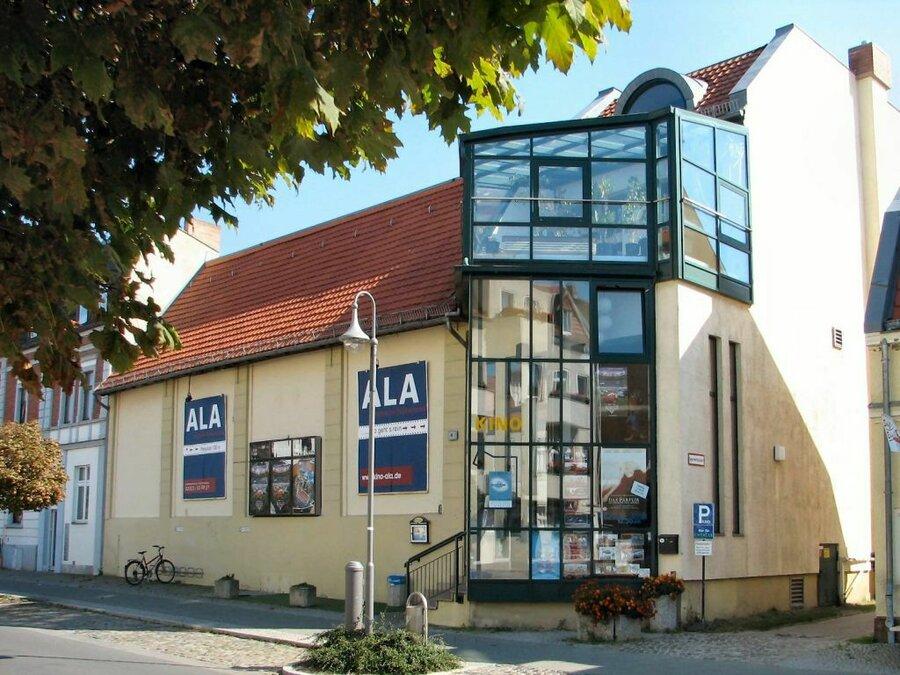 """Kino """"Ala"""" in der Potsdamer Straße."""