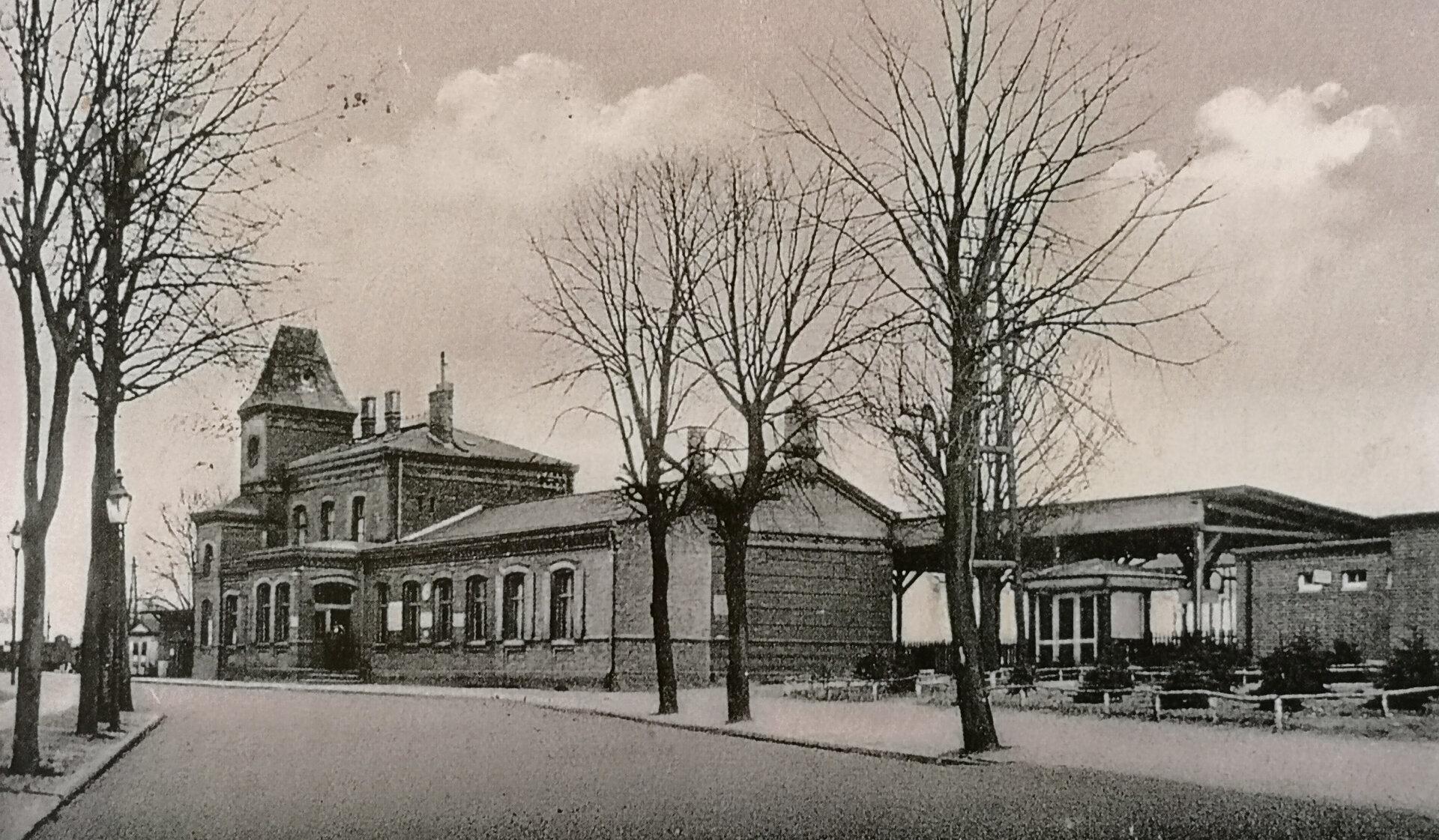 Der Bahnhof von 1885 wurde am 15. April 1945 dem Erdboden gleichgemacht. Quelle: Museum