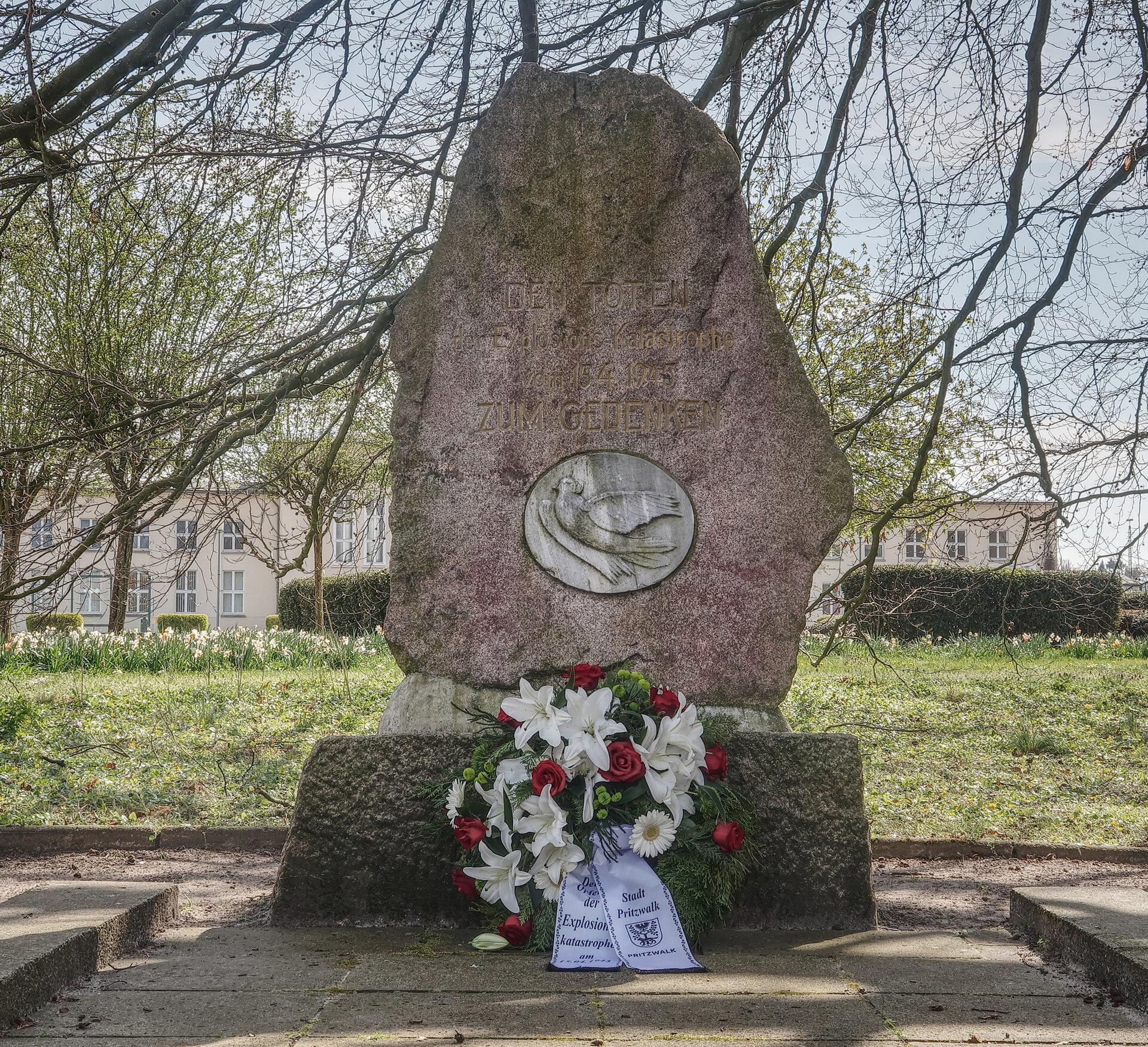 Ein Gedenkstein erinnert heute an die Opfer der Explosionskatastrophe.