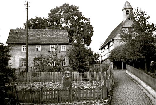 Das alte Schulhaus um 1950