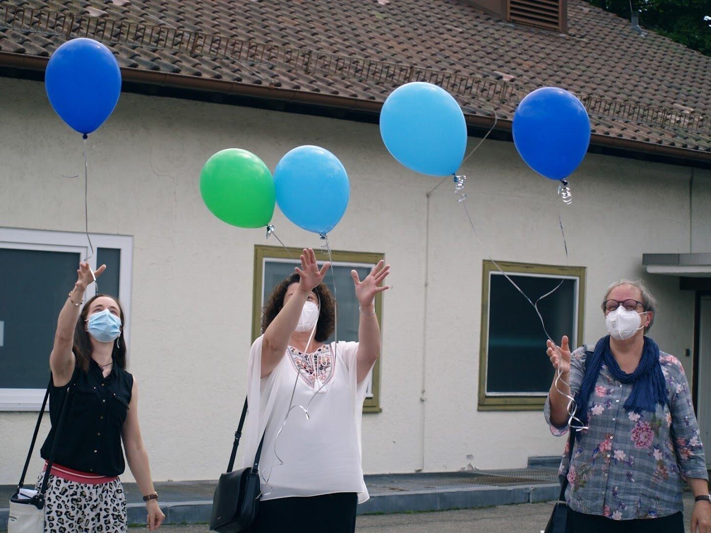 Klassenlehrerinnen Frau Pflumm, Frau Löwer, Frau Renz (v.l.)