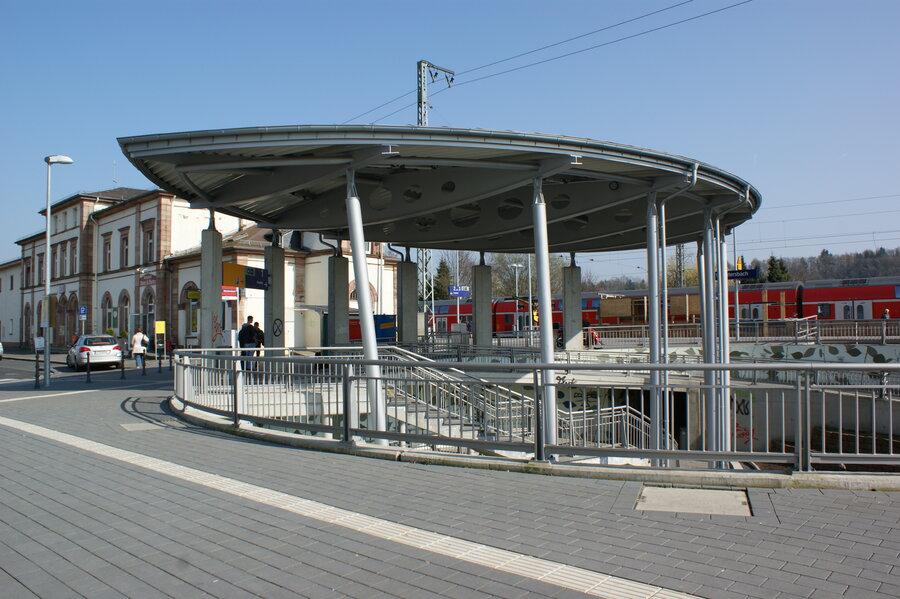 Rotunde am Bahnhof