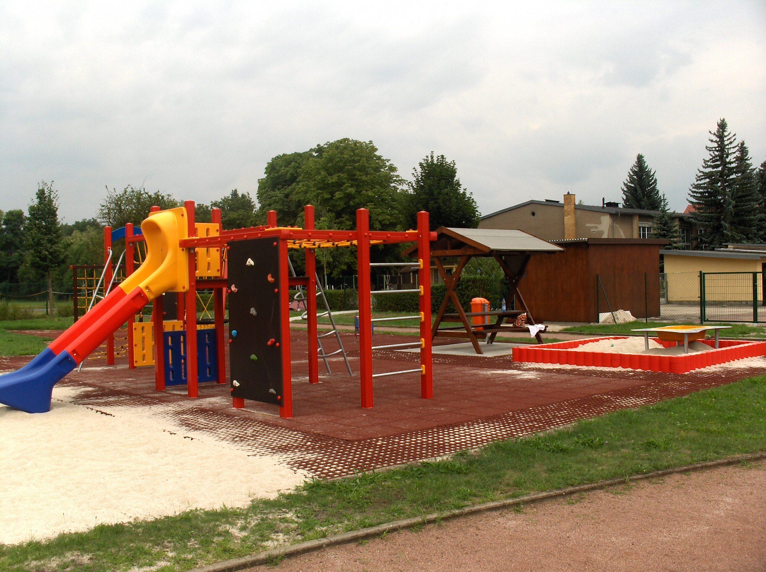 Spielplatz Tröbitz Rutsche